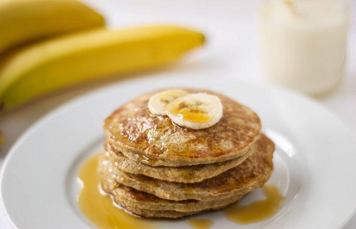 4-Minute Eggwhite Oatmeal Pancake Recipe For Health Freaks