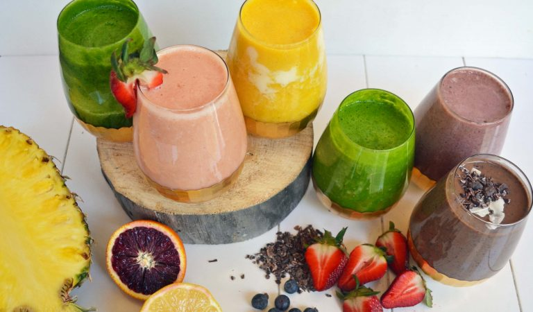 7 Superfood Smoothies To Help You Beat Obesity, Disease & Dull Skin