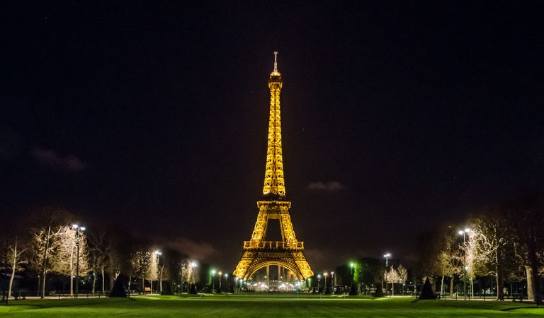 Taking Photos of Eiffel Tower At Night Can Land You In Jail – And We're Not Even Kidding!