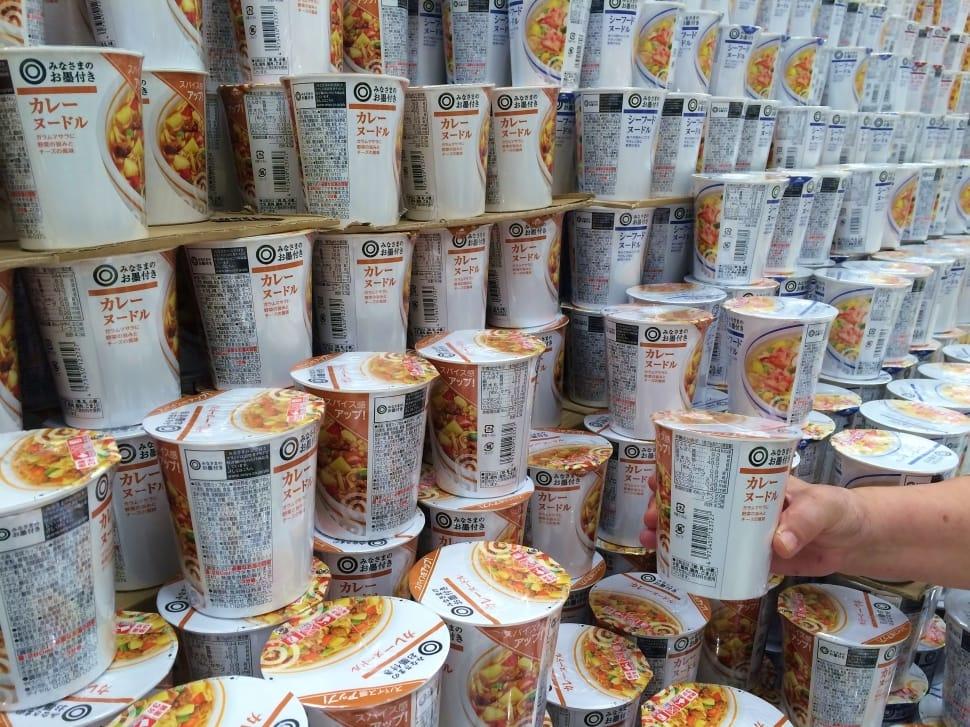 cup-noodle-curry-noodles-ramen-wallpaper-preview